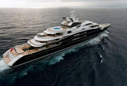 Is a $450 million Leonardo da Vinci placed aboard 134m superyacht?