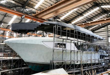 CC98 by Horizon Yachts in construction
