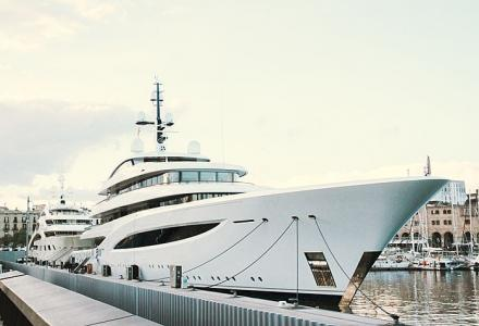 $200 Million yacht Faith, which is bought by an F1 team owner, was spotted in Barcelona