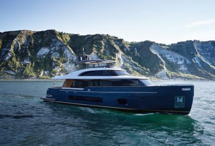 New interior details of the first high-tech Azimut superyacht Magellano 25 Metri