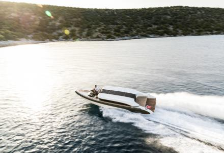 Onda Tenders' Shows New Images of the Onda 321l Limo Tender of Superyacht O'Pari