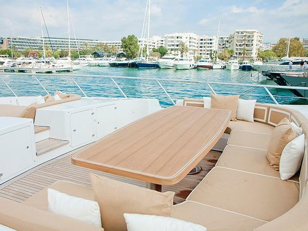 yacht Beachouse