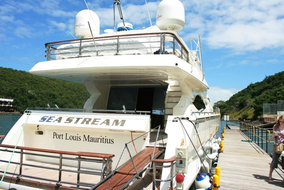 yacht Sea Stream