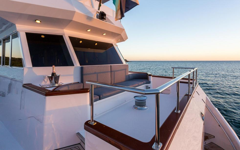 yacht Sea Falcon