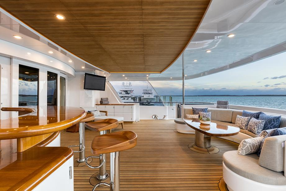 yacht Broadwater