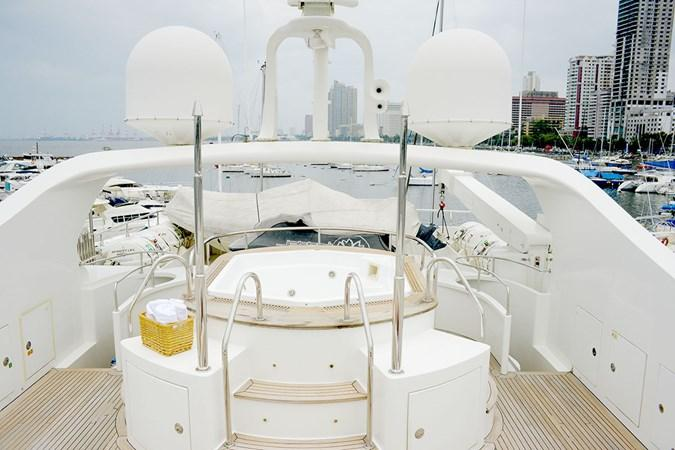 yacht Happy Life
