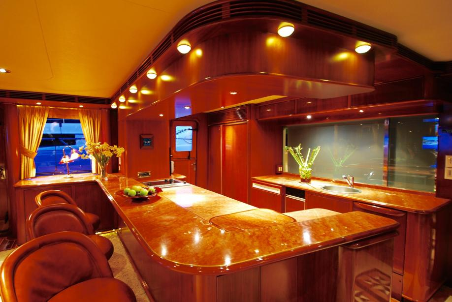 yacht Forty Love