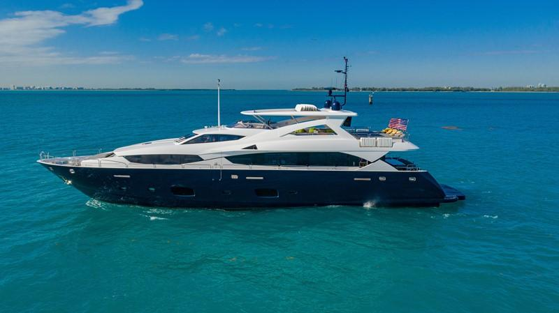 yacht Useless Sunseeker 34M