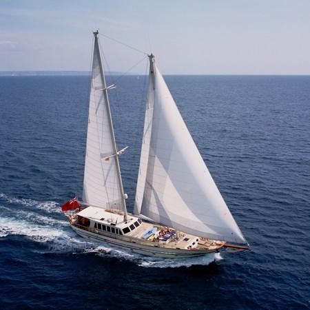 yacht Tigerlily of Cornwall